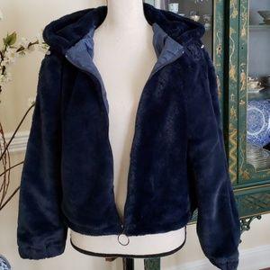 Cozy navy faux fur hooded jacket NWT Medium
